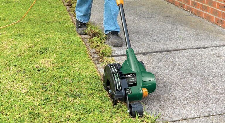 types of lawn edger